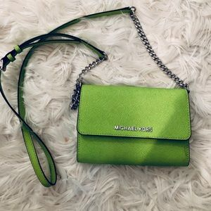 Lime green summer cross body purse. Barely used.